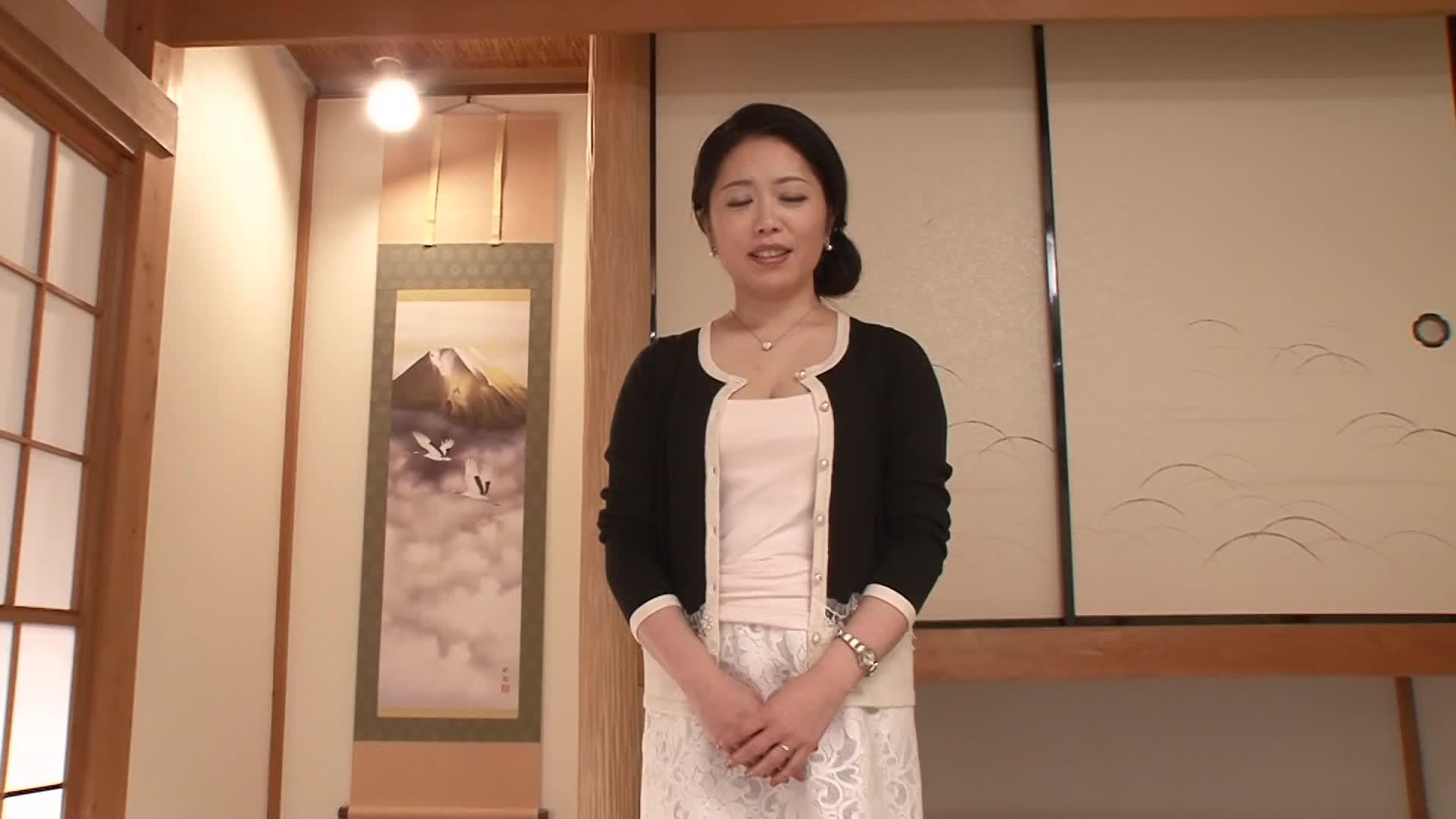 【有坂祐奈】45歳の美熟女が欲求不満で初脱ぎ初撮りAVデビューする素人企画